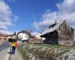 Djelatnice Zavoda Galić i Pišpek u stručnom pregledu potresom oštećenih zgrada, Kravarsko, 02.2021.